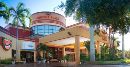 crowne-plaza-fort-myers-3801817572-2×1